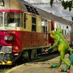 電車で席を奪い取ろうとする老人に若者が発した言葉に衝撃